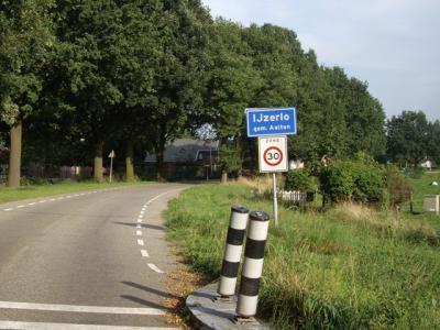 IJzerlo is een buurtschap in de provincie Gelderland, in de streek Achterhoek, gemeente Aalten.