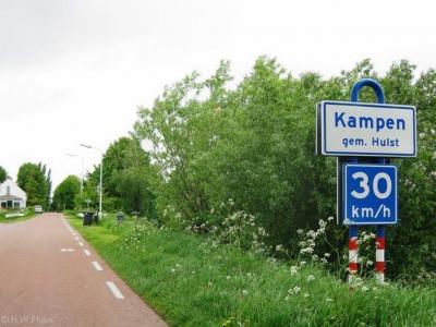 Kampen is een buurtschap in de provincie Zeeland, gem. Hulst. T/m 30-6-1936 grotendeels gem. Stoppeldijk, deels gem. Ossenisse. Per 1-7-1936 over naar gem. Vogelwaarde, per 1-4-1970 over naar gem. Hontenisse, in 2003 over naar gem. Hulst.