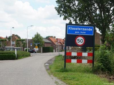 Kloosterzande is een dorp in de provincie Zeeland, in de streek Zeeuws-Vlaanderen, gemeente Hulst. T/m 2002 (hoofdplaats van de) gemeente Hontenisse.