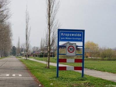 Kropswolde is een dorp in de provincie Groningen, in de streek Veenkoloniën, gemeente Midden-Groningen. T/m 31-3-1949 gemeente Hoogezand. Per 1-4-1949 over naar gemeente Hoogezand-Sappemeer, in 2018 over naar gemeente Midden-Groningen.