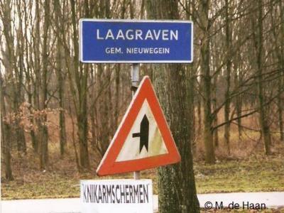 Laagraven is deels een buurtschap, deels een bedrijventerrein in de provincie Utrecht, in de regio Kromme Rijnstreek, gemeente Nieuwegein. T/m 30-6-1971 gemeente Jutphaas. Het gebied Laagraven-Oost valt ook deels onder de gemeente Houten.