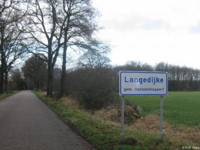 Langedijke is een dorp in de provincie Fryslân, in de streek Stellingwerven, gemeente Ooststellingwerf.