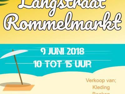 Op de tweede zaterdag van juni organiseert Belangenvereniging Langstraat e.o. de jaarlijkse rommelmarkt in en om verenigingsgebouw De Keet