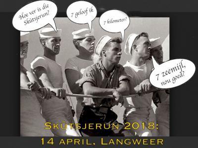 Op een zaterdag half april is er in Langweer jaarlijks de Langwarder Skûtsjerun. In 2019 alweer voor de 6e keer. Het valt samen met de start van het watersportseizoen, dus je kunt er in dat weekend ook nog genieten van de skûtsjes. (© www.skutsjerun.com)