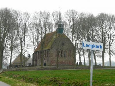 Leegkerk is een dorp in de provincie Groningen, in de streek Westerkwartier, gemeente Groningen. T/m 1968 gemeente Hoogkerk. Leegkerk heeft overigens niets met een 'lege kerk' te maken. Waar het wél mee te maken heeft, kun je lezen in het hoofdstuk Naam.