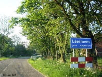 Leermens is een klein idyllisch dorpje, waar ondanks die 'kleinte' verbazingwekkend veel over te vertellen valt en waar veel te zien en - dankzij actieve inwoners - ook veel te doen is.