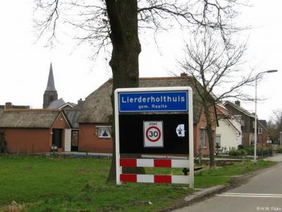 Lierderholthuis is een dorp in de provincie Overijssel, in de streek Salland, gemeente Raalte. T/m 2000 gemeente Heino.