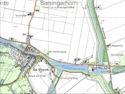 Een ZO deel van buurtschap Lutjekolhorn (in het ZO op deze kaart) viel t/m 1989 onder de gemeente Wieringermeer (de gele lijn is de gemeentegrens). In 1990 is dat door grenscorrectie naar de gemeente Niedorp en daarmee naar het dorp Kolhorn overgegaan.