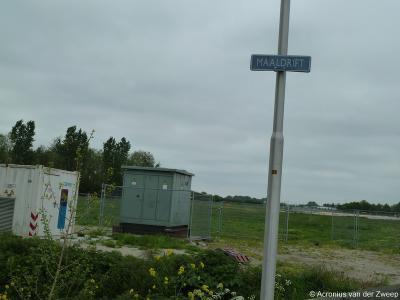Buurtschap Maaldrift heeft geen plaatsnaamborden, zodat je alleen aan de gelijknamige straatnaambordjes kunt zien dat je er bent aangekomen.