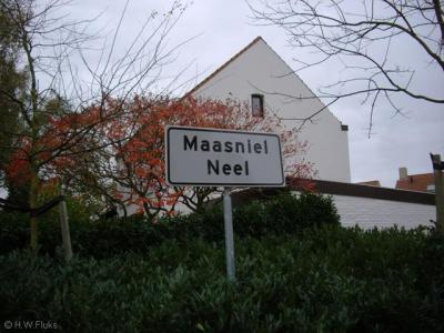 Maasniel is door het uitdijende Roermond sinds de jaren zeventig formeel een wijk van de stad Roermond, maar heeft nog altijd de eigen dorpse identiteit. Sinds 2004 heeft de kern/wijk ook weer eigen plaatsnaamborden. Wat ons betreft een 'dorp in de stad'.