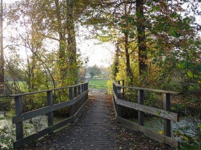 Buurtschap Malijk, bruggetje over de Pierswijk in het Malijksepad. (© Harry Perton / https://groninganus.wordpress.com)