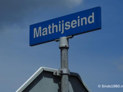 Mathijseind is een buurtschap in de provincie Noord-Brabant, in de regio Zuidoost-Brabant, en daarbinnen in de streek Peelland, gemeente Gemert-Bakel. T/m 1996 gemeente Bakel en Milheeze. De buurtschap valt onder het dorp Bakel. (© www.sinds1980.nl)