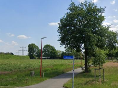 Menzel is een buurtschap in de provincie Noord-Brabant, gemeente Bernheze. De buurtschap valt onder het dorp Nistelrode. De buurtschap heeft geen plaatsnaamborden, zodat je slechts aan de gelijknamige straatnaambordjes kunt zien dat je er bent aangekomen.
