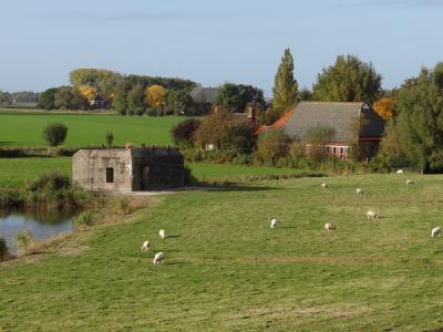 Nansum, buurtschapsgezicht vanaf de Eemsdijk. (© Harry Perton / https://groninganus.wordpress.com)