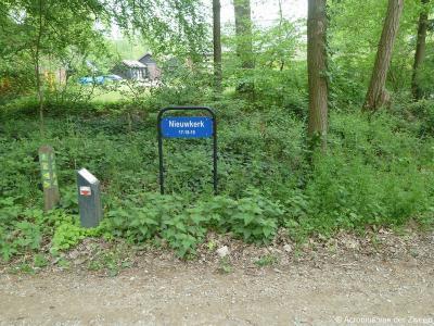 Nieuwkerk is een buurtschap in deels de provincie Noord-Brabant, in de regio Hart van Brabant, gemeente Goirle, en deels de provincie Antwerpen in België.