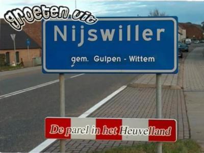Sander Kaelen heeft een mooie diaserie gemaakt van zijn dorp Nijswiller. Op een van de foto's noemt hij zijn dorp 'De parel van het Heuvelland'. Daar zijn er natuurlijk meer van in deze streek, maar een parel is het zeker, kunnen wij uit ervaring beamen!