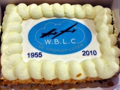 De West-Brabantse Luchtvaart Club De Grondpiloten houdt zich bezig met de modelvliegsport, heeft in buurtschap Nispense Achterhoek een 1,4 ha groot modelvliegveld en heeft in 2015 het 60-jarig bestaan gevierd.