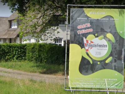De Pinksterfeesten Nistelrode (zaterdag tot en met dinsdag in het pinksterweekend) zijn er al sinds 1974. Dankzij sponsorbijdragen van lokale ondernemers en gemeente zijn alle evenementen en activiteiten gratis toegankelijk. (© Google StreetView)