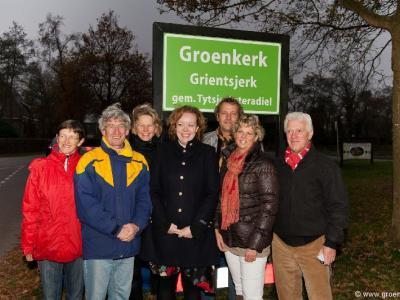 "De Werkgroep Groenkerk in Oentsjerk heeft tot doel de wereld duurzamer te maken, waarbij ""minsken"" (people), ""ierde"" (planet) en ""griene opbringst"" (profit) harmonieus samengaan, te beginnen in Oentsjerk e.o. Groenkerk is ""het groene wiel in de regio""."