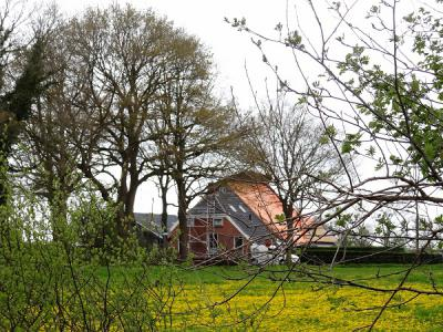 Onnen, boerderij in restauratie (© Harry Perton/https://groninganus.wordpress.com)