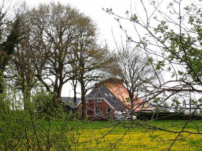 Onnen, boerderij in restauratie (© Harry Perton/https://groninganus.wordpress.com)