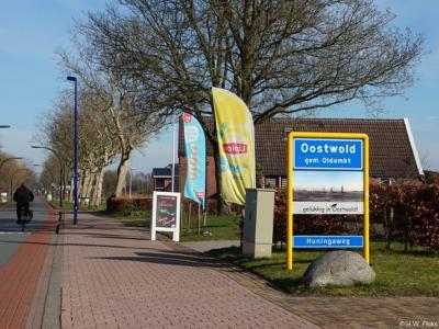 Oostwold is een dorp in de provincie Groningen, in de streek en gemeente Oldambt. T/m 1989 gemeente Midwolda. In 1990 over naar gemeente Scheemda, in 2010 over naar gemeente Oldambt.