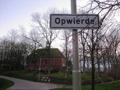 Het oude dorpskerntje van Opwierde is er nog altijd (naast de aangrenzende wijk Opwierde), en heeft witte plaatsnaamborden binnen de bebouwde kom van de stad Appingedam