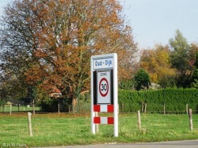 Oud-Dijk is een buurtschap in de provincie Gelderland, in de streek Liemers, in grotendeels gemeente Montferland, en voor een klein deel in de gemeente Zevenaar. T/m 2004 viel de buurtschap geheel onder de gemeente Didam.