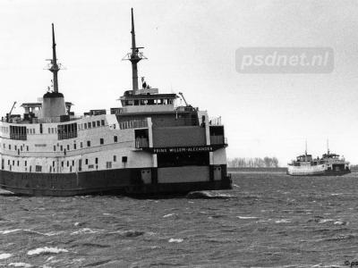 De piepkleine buurtschap Perkpolder is landelijk bekend van het veer Kruiningen-Perkpolder, dat in 2003 is opgeheven wegens het gereedkomen van de Westerscheldetunnel. Op de foto de dubbeldeksveerboot Prins Willem-Alexander. (© www.psdnet.nl)
