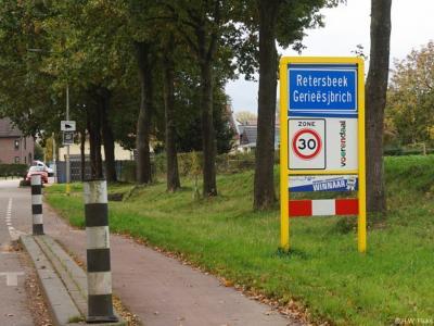 Retersbeek is een buurtschap in de provincie Limburg, in de regio's Heuvelland en Parkstad, gemeente Voerendaal. T/m 1981 gemeente Klimmen. De buurtschap valt onder het dorp Klimmen.