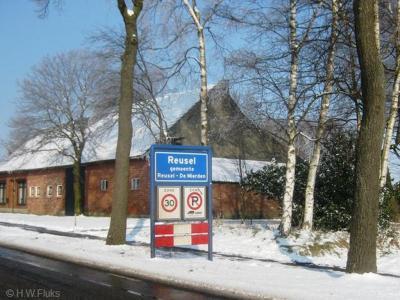 Reusel is een dorp in de provincie Noord-Brabant, in de regio Zuidoost-Brabant, en daarbinnen in de streek Kempen, gemeente Reusel-De Mierden. Het was een zelfstandige gemeente t/m 1996.