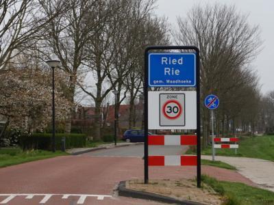 Ried is een dorp in de provincie Fryslân, gemeente Waadhoeke. T/m 2017 gemeente Franekeradeel. (© H.W. Fluks)