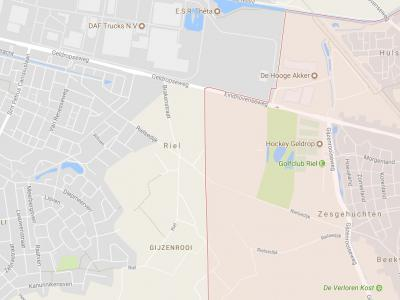 Riel, vanouds een buurtschap van de gemeente Zesgehuchten, is bij de opheffing van die gemeente per 1-5-1921 aan de gemeente Geldrop toebedeeld. Door een grenscorrectie in 1973 is het deel W van de rode streep onder Eindhoven komen te vallen. (© Google)