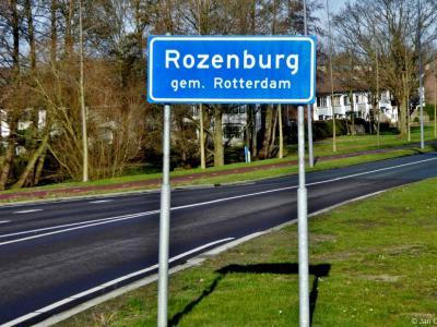 Rozenburg is een dorp en voormalig eiland, bestuurlijk gezien een gebied (t/m 2013: deelgemeente) met een gebiedscommissie, in de provincie Zuid-Holland, gemeente Rotterdam. Het was een zelfstandige gemeente t/m 17-3-2010.