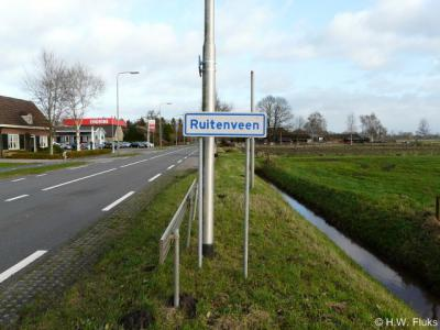 De buurtschap Ruitenveen is sinds 2014 (weer) voorzien van plaatsnaamborden