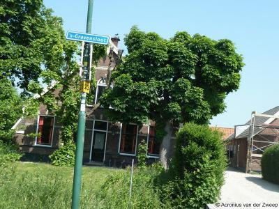 's-Gravensloot is een buurtschap in de provincie Utrecht, gemeente Woerden. De buurtschap 's-Gravensloot heeft geen plaatsnaamborden meer, zodat je slechts aan de gelijknamige straatnaambordjes kunt zien dat je er bent aangekomen.