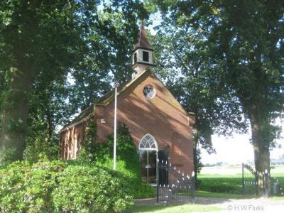 In de buurtschap Schaaphok, gem. Midden-Groningen, staat een piepkleine kerk. Tegenwoordig is deze in gebruik als woonhuis.