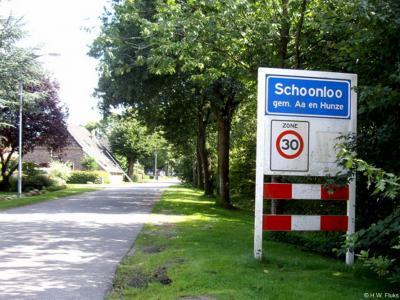 Schoonloo is een dorp in de provincie Drenthe, gemeente Aa en Hunze. T/m 1997 gemeente Rolde.
