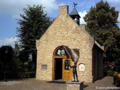 In Someren-Eind is in 1995 de Sint Lambertuskapel gebouwd. Op zich al bijzonder in deze tijden van ontkerkelijking. Nog bijzonderder is dat de kapel geheel uit tweedehands - maar heel bijzondere - materialen is opgebouwd. Zie kopje Bezienswaardigheden.