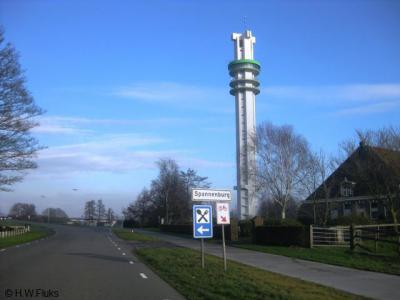 Iedere Fries kent het buurtschapje Spannenburg, wegens de 118 meter hoge blikvanger de Toren van Spannenburg, een FM-zender die sinds 2007 ook een datacenter bevat.