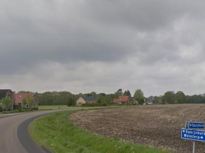 Sparjebird is een buurtschap in de provincie Fryslân, gemeente Opsterland. De buurtschap valt onder het dorp Hemrik. De buurtschap heeft geen plaatsnaamborden, zodat je slechts aan de straatnaambordjes Sparjeburd kunt zien dat je er bent aangekomen.