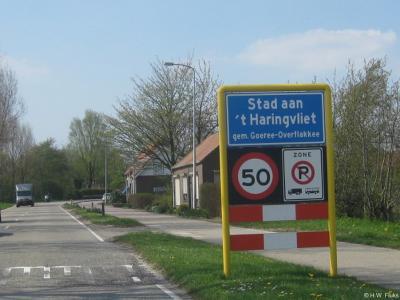 Stad aan 't Haringvliet is een dorp in de provincie Zuid-Holland, op het schiereiland en in de gemeente Goeree-Overflakkee. Het was een zelfstandige gemeente t/m 1965. In 1966 over naar gemeente Middelharnis, in 2013 over naar gemeente Goeree-Overflakkee.