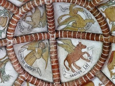 De Bartholomeuskerk in Stedum wordt als het hoogtepunt van de romanogotische bouwkunst in Groningen beschouwd. Ook het rijke interieur is zeer bijzonder, o.a. wegens de 15e-eeuwse gewelfschilderingen. (© Harry Perton/https://groninganus.wordpress.com)