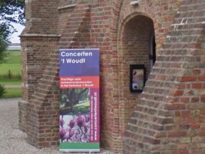 Jaarlijks is er van mei t/m september een prachtige serie 'Zomeravondconcerten in de kerk van 't Woudt'. (© Google)