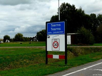Teerns is een voormalig dorp, tegenwoordig buurtschap in de provincie Fryslân, gemeente Leeuwarden. T/m 1943 gemeente Leeuwarderadeel. Teerns behoort tot de 10 kleinste officiële woonplaatsen van Nederland. Maar het is kennelijk wél een kerntje met Pit!