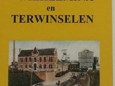 De netto opbrengst van het in 2017 verschenen naslagwerk over de geschiedenis van Staatsmijn Wilhelmina en Terwinselen, van inwoner Jo Knobbe, komt ten goede aan het onder Bezienswaardigheden beschreven, in 2019 gerealiseerde mijnmonument.