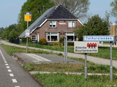 Tolhuislanden is een buurtschap in de provincie Overijssel, in de streek Salland, gemeente Zwolle. T/m 2000 gemeente Nieuwleusen. De buurtschap valt onder de stad Zwolle. De buurtschap ligt buiten de bebouwde kom en heeft daarom witte plaatsnaamborden.