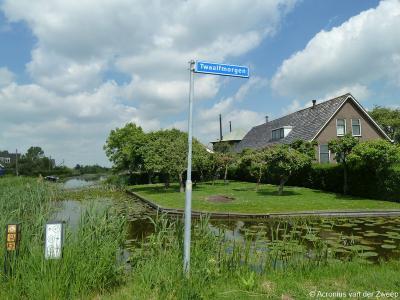 Twaalfmorgen is een buurtschap in de provincie Zuid-Holland, gemeente Bodegraven-Reeuwijk. T/m 2010 gemeente Reeuwijk. De buurtschap Twaalfmorgen heeft geen plaatsnaamborden, zodat je slechts aan de straatnaambordjes kunt zien dat je er bent aangekomen.