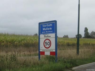 Vortum-Mullem is een dorp in de provincie Noord-Brabant, in de regio Noordoost-Brabant, en daarbinnen in de streek Land van Cuijk, gemeente Boxmeer.