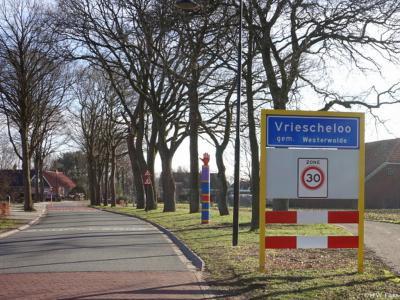 Vriescheloo is een dorp in de provincie Groningen, in de streek en gemeente Westerwolde. T/m 31-8-1968 gemeente Bellingwolde. Per 1-9-1968 over naar gemeente Bellingwedde, in 2018 over naar gemeente Westerwolde.
